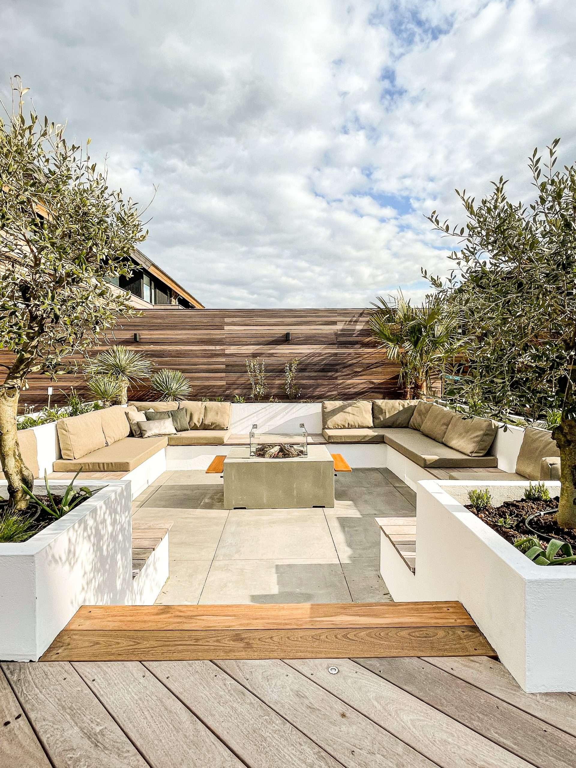 Nieuwbouwwoning met mediterrane tuin
