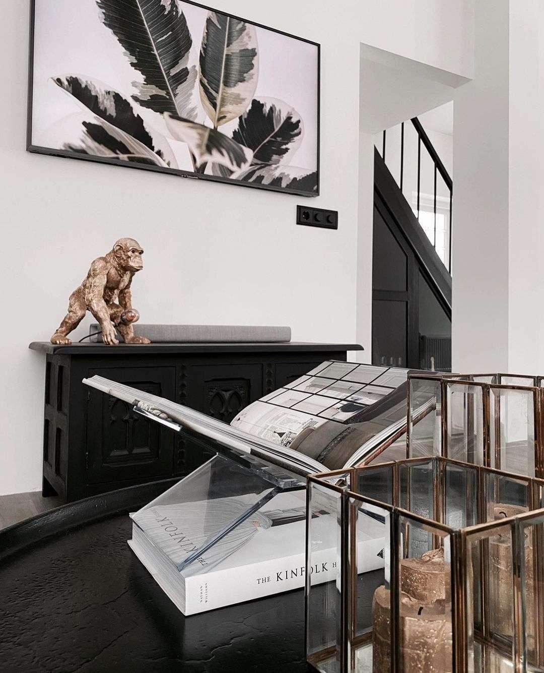 Zwart wit interieur, modern interieur, strakke keuken